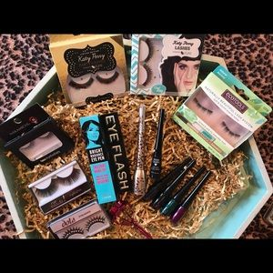 NEW 14 Pieces of  EyeLash Products